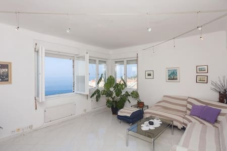 Apartment Rea-Three Bedroom Apartment with Sea View