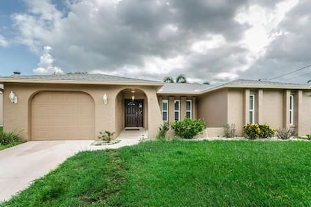 Lake house on Lake Tarpon - Palm Harbor