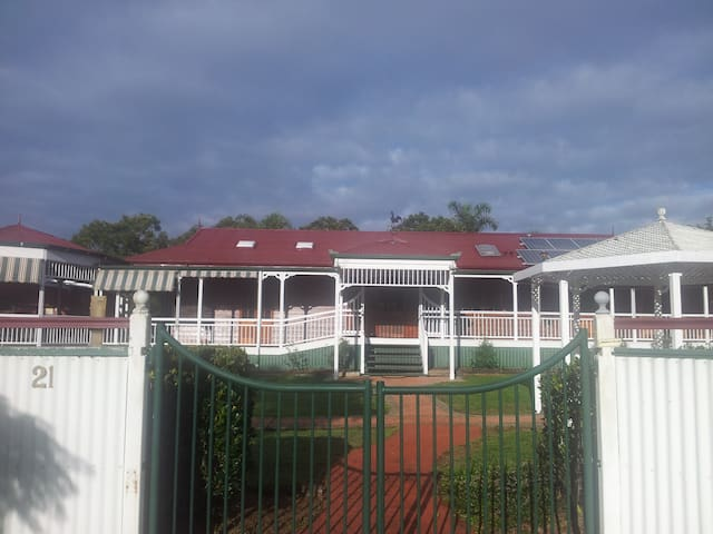 Award Winning Bed and Breakfast - Maryborough - Bed & Breakfast