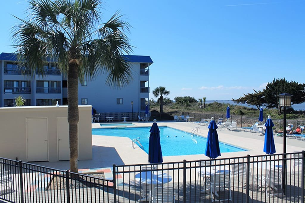 Enjoy watching dolphins in the river, shrimp boats & cargo ships entering & leaving the Port of Savannah, the swimming pool & tennis courts