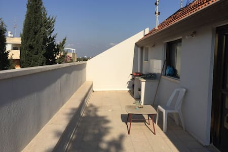 Herzliya bedroom in a spacious apartment. - Herzliya - 公寓