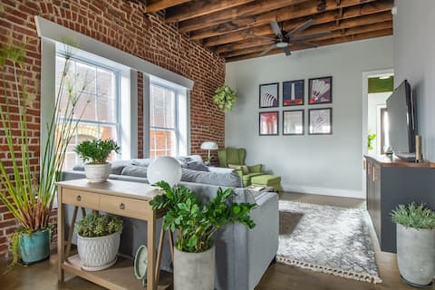 Historic, Industrial Flat in the Heart of KC