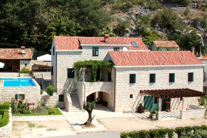 Family Holiday Villa near Dubrovnik