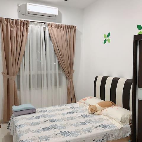 Bayan Lepas homestay 2mins from Penang Airport!