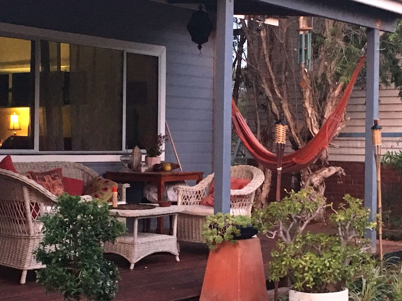 Welcome to our little bit of paradise. Home away from Home. Front deck for a relaxing morning coffee or evening celebrations with a definite Brazilian flavour. Bring your guitar or binoculars. The perfect setting for a little music or bird watching.