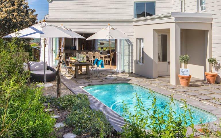 BEACH HOUSE BLISS - Kenton on Sea  - Hus
