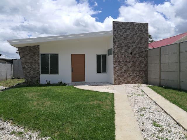 Se alquila Casa en Liberia totalmente Nueva