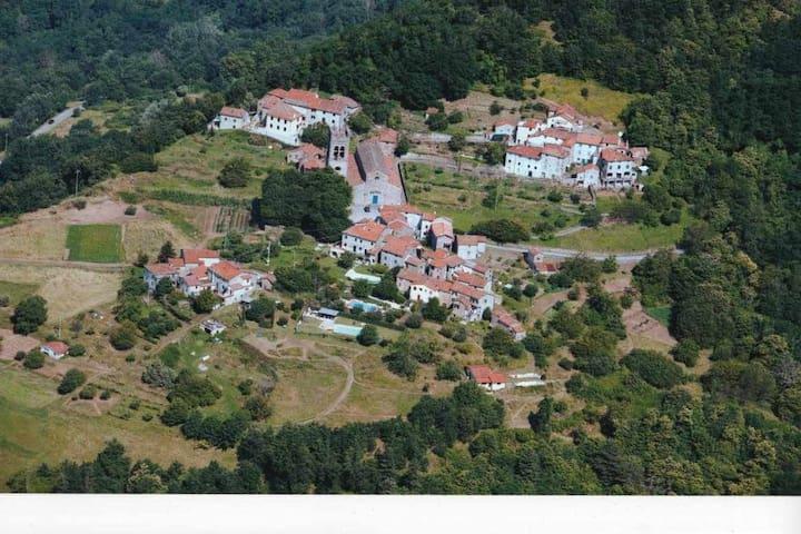 Cottage & pool - Pieve di Controni, Bagni di Lucca - Bagni di Lucca - Ferienunterkunft