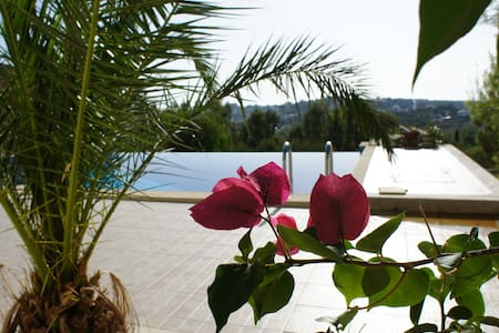Villa Apartment + swimming pool 15' from Airport - Athens - Flat
