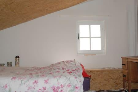mini dortoir, de 1 à 5 personnes - Mornas