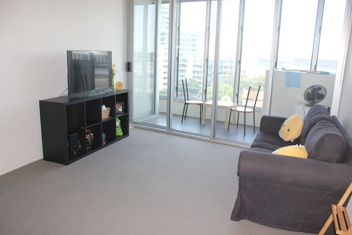 Privatebedroom in Free Tram Zone in melbourne city - Docklands - Wohnung
