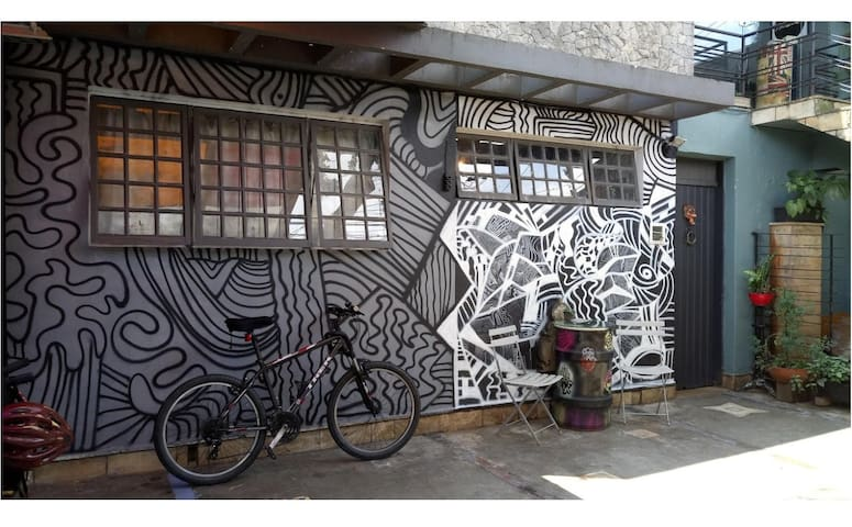 ARTE & BIKE NO BROOKLIN