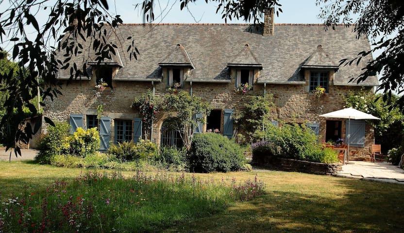 Le Grand Bois - Bazouges-la-Pérouse - House