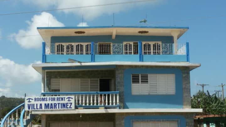 Villa Martinez, Cuatrocaminos, Guardalavaca