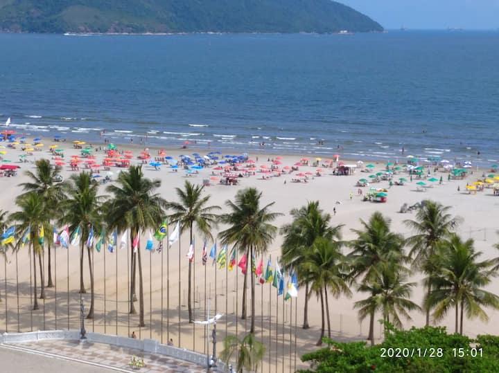 Praia do Gonzaga - Vizinho ao Hotel Atlântico