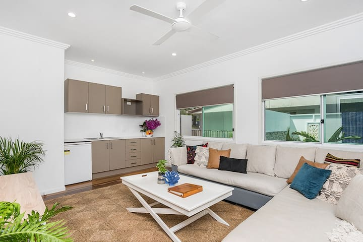 The Pass One Bedroom Apartment with living area