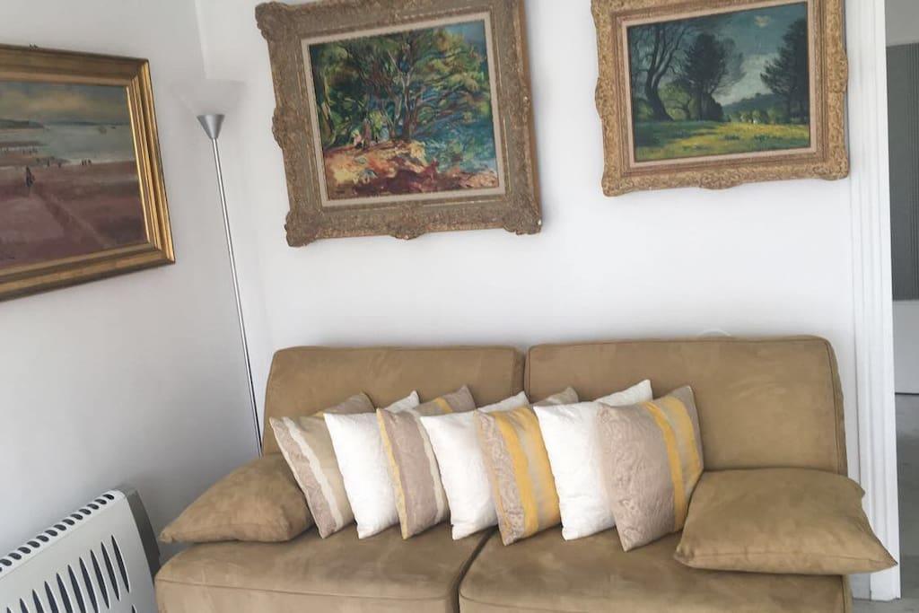 Salon : canapé plié