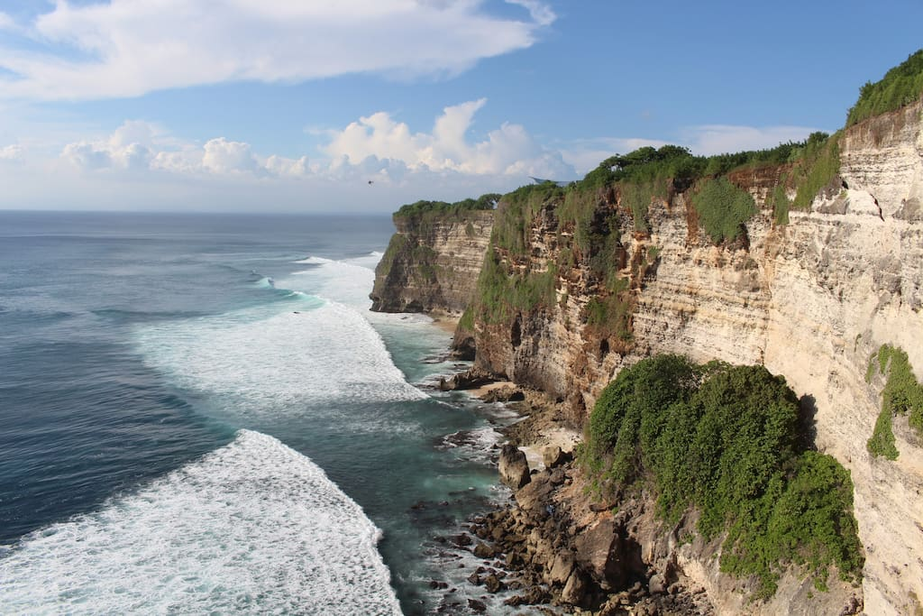 The limestone cliffs of Uluwatu are just 200 meters behind our guesthouse.