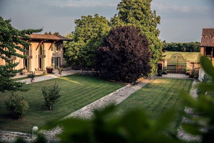 Agriturismo Corte Ruffoni - Zevio-santa Maria - Byt