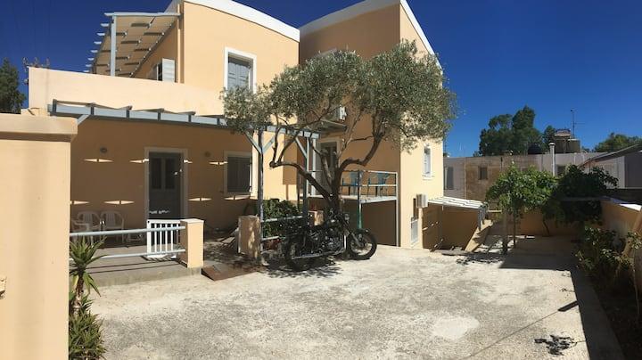 Ermoupolis cozy apartment