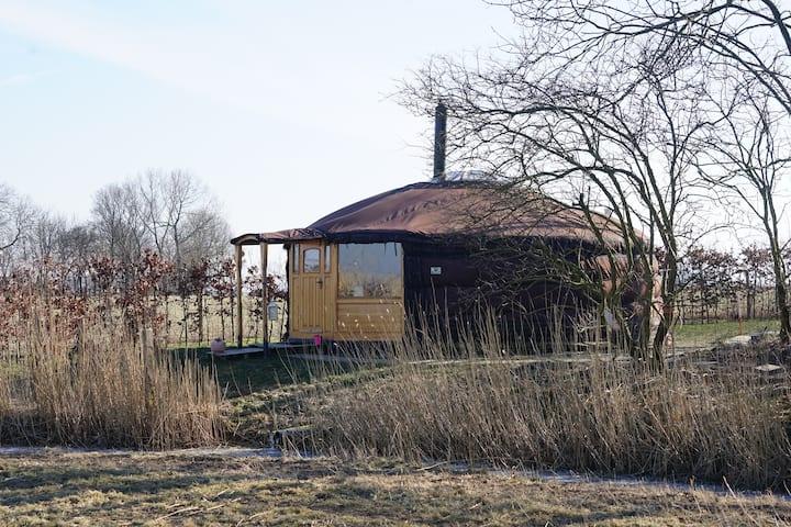 Landelijk slapen in een sfeervolle Yurt