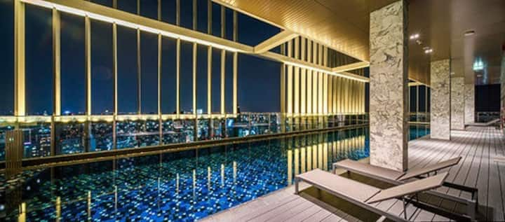 Luxury room / skypool view / garden /sukhumwit