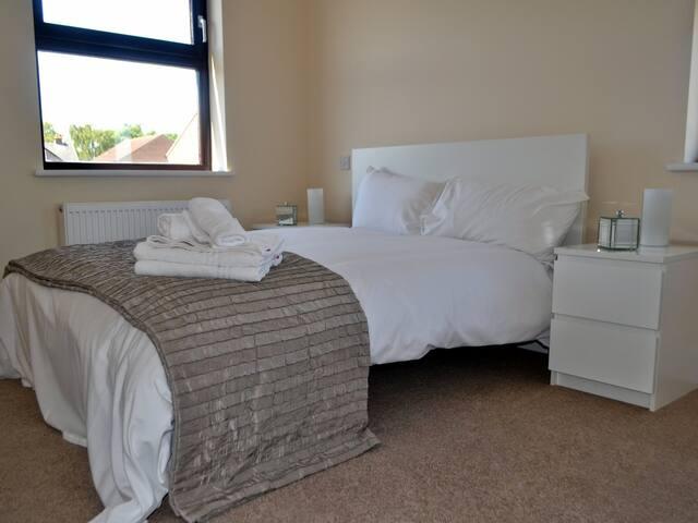 2 bedroom Executive short let apartment