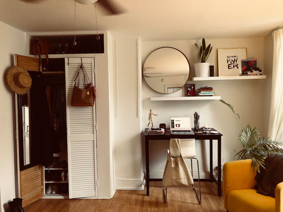 desk, living room