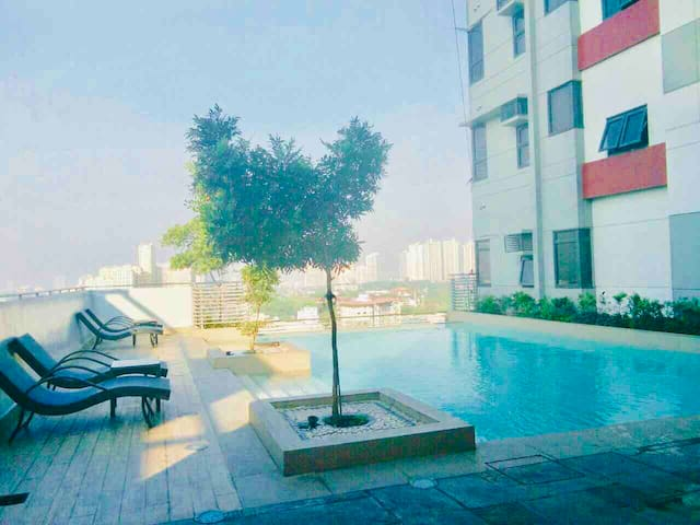 Beautiful, relaxation condominium w/  pool and gym