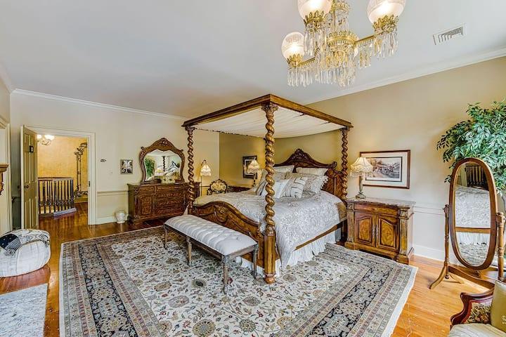 Nightingale Suite at Moonstone Manor