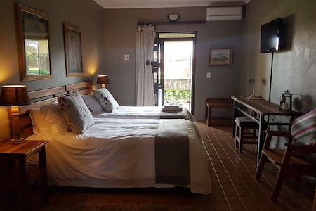 Country Oasis in the middle of the City - Boksburg - Bed & Breakfast
