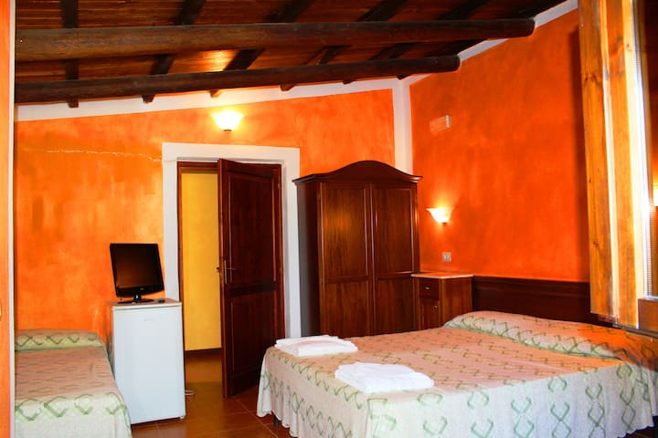 Il Feudo - Camera Quadrupla (4B) - San Costantino - Bed & Breakfast