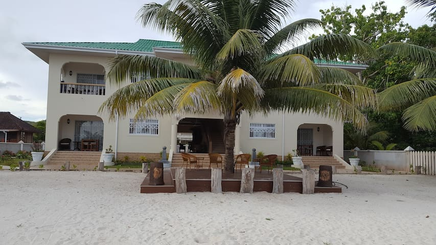 Seashell Beach Villa