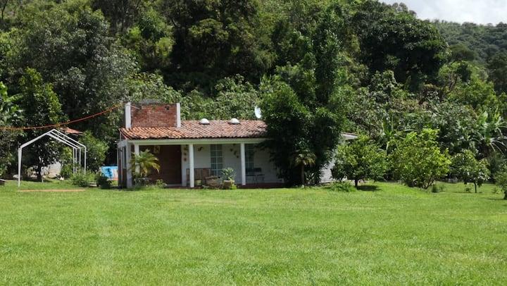 Quinta Rinconada. Disfrute con naturaleza. Seguro