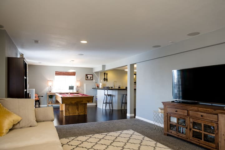 Modern Spacious Clean - S. Denver, CCRM Bluffs DTC - Lone Tree - Hus