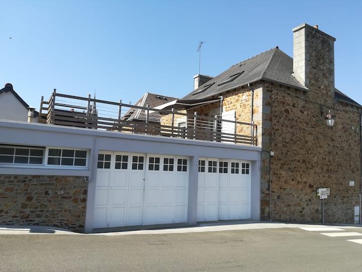 Goudelin appartement neuf avec  terrasse au calme.