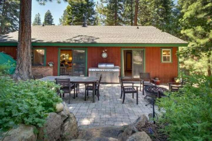 Prosser Pet-Friendly Cabin - Truckee - Casa