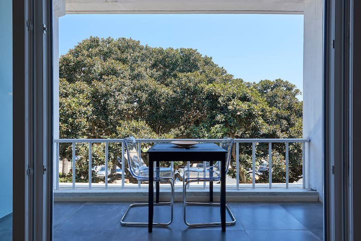 Estoril BeachFront Balcony apartment