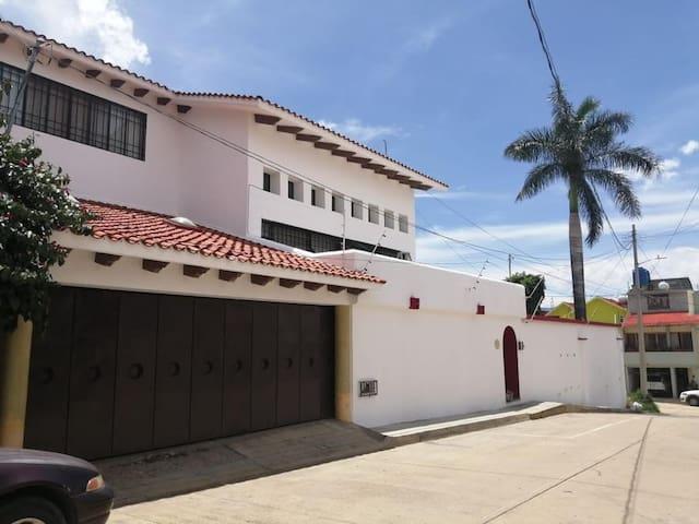 """Casa """"Carbajal""""  zona y confort"""