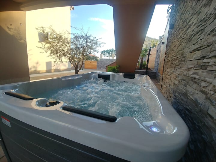 Apartment with Jacuzzi town Krk.