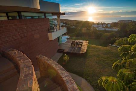 Casa con alberca en Real del Mar - Tijuana