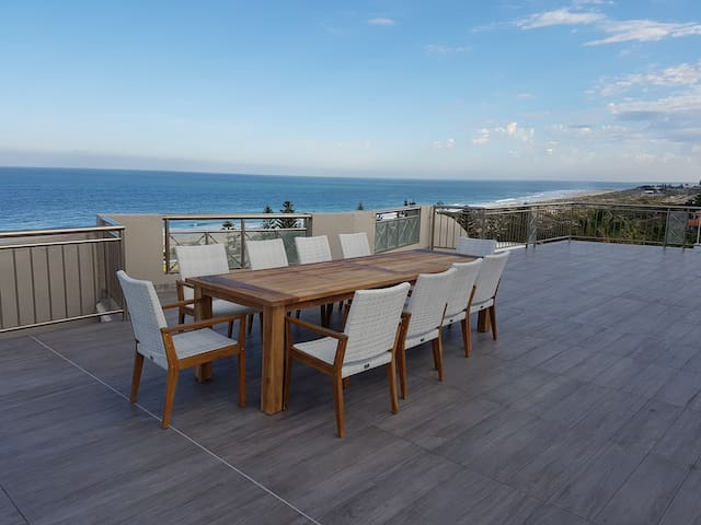 Beachfront Penthouse & Huge Terrace