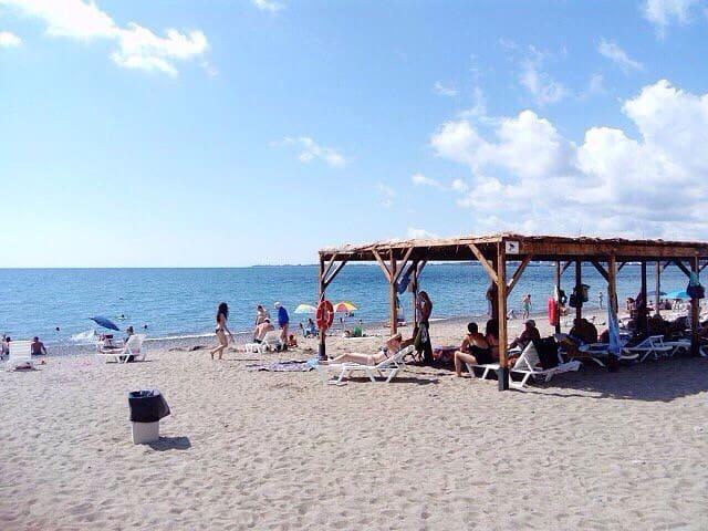 Приезжай пожить в Сухум, квартира у пляжа Мокко - Sukhumi - Apartment