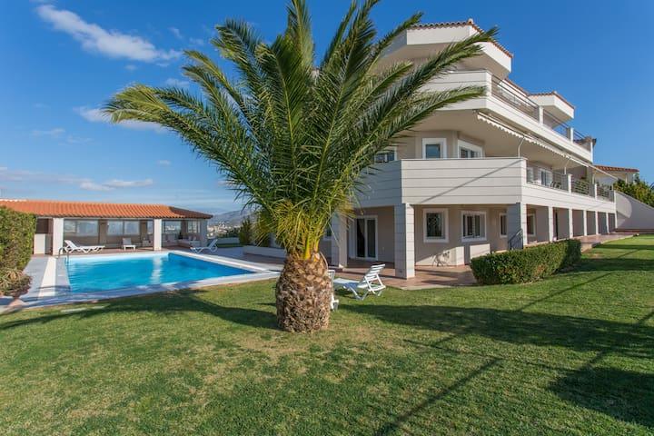 Villa Paradise Minutes Away From The Beach ! - Kalivia Thorikou - Villa