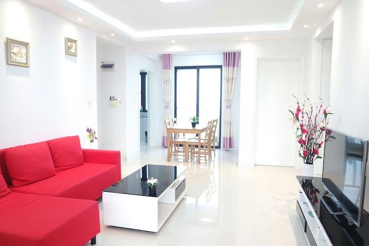 1号线宝安公路西500米整租高层阳光充沛电梯花园公寓两室两厅 - Shanghai - Apartmen