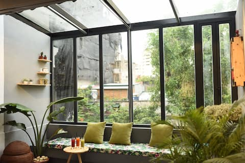 THE BUG: GLASS LOFT - NATURAL LIGHT - GREEN SPACE