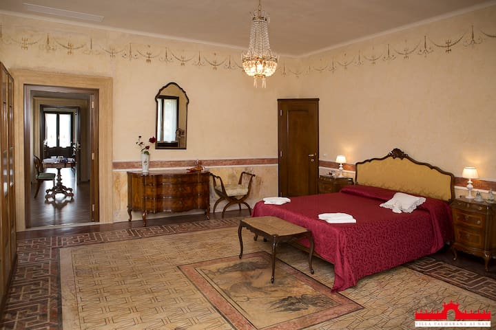 Palladian Villa with XVIII frescoes-Suite ifigenia