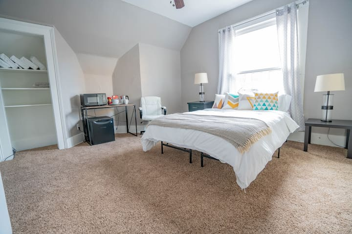 Updated suite in a stellar Capitol Hill location!