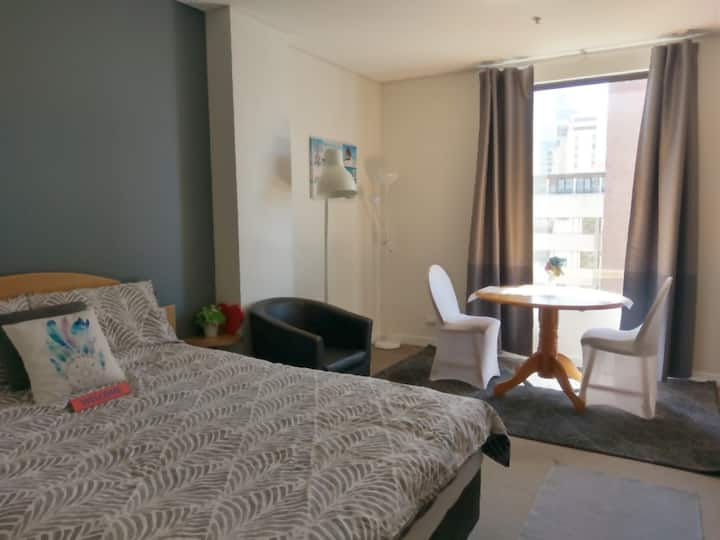 Great location, cozy apartment in Perth City