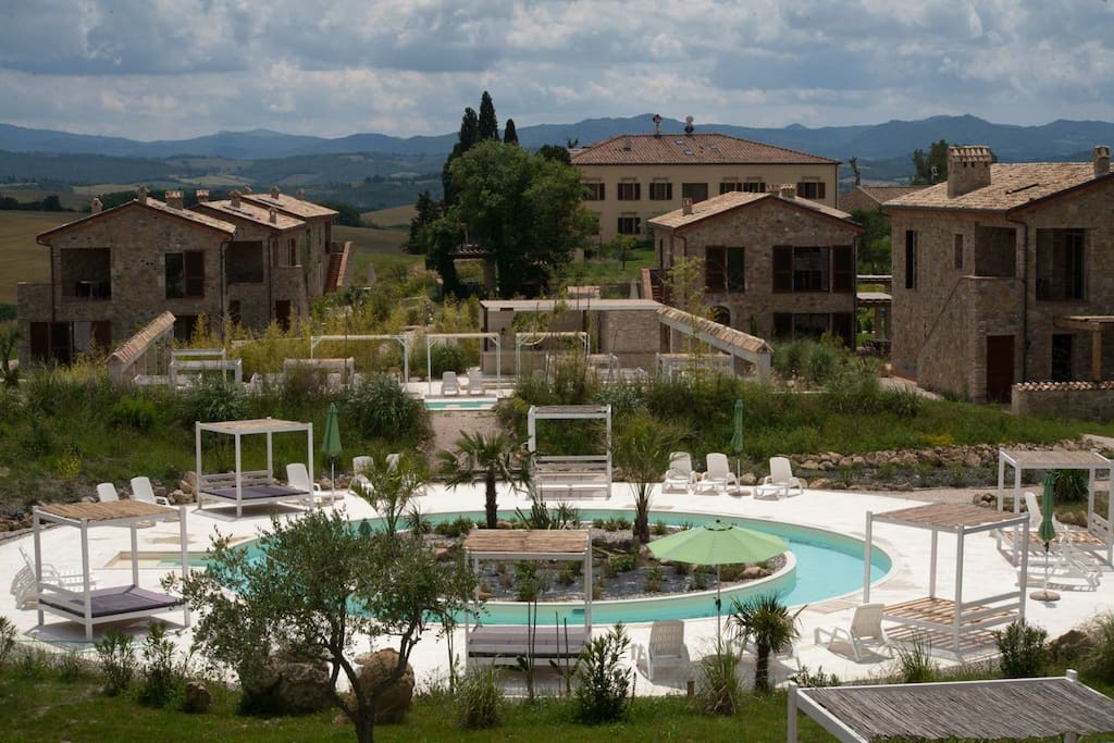 TUSCANY FOREVER RESIDENCE VILLAFAMIGLIA No.7 FIRST FLOOR APARTMENT